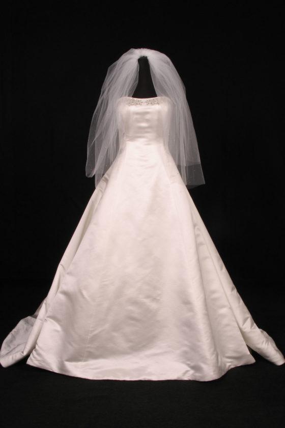 S547VL Diamond White Bridal Veil
