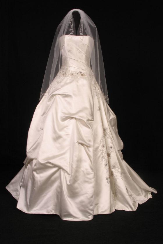 S2805VL Diamond White Bridal Veil