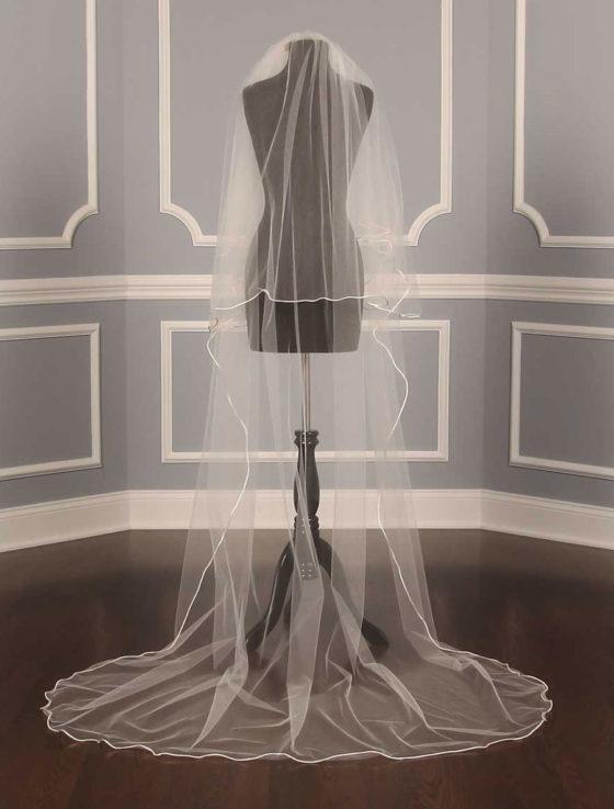 S202VL Ivory Bridal Veil
