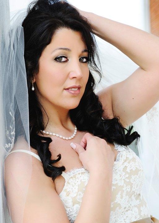 Vera Wang Lace Wedding Dress