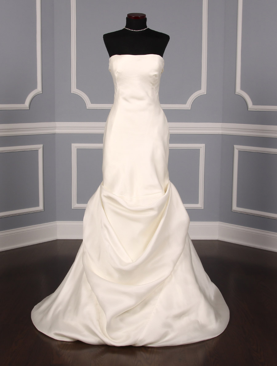 Justina atelier nancy wedding dress on sale your dream dress for Inexpensive designer wedding dresses