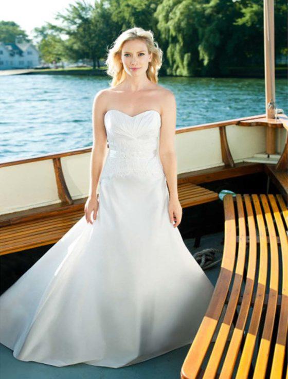 Lea-Ann Belter Harlow Wedding Dress