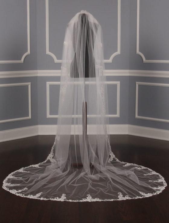 St. Pucchi M9339 Bridal Veil