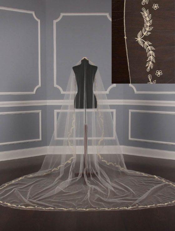 St.-Pucchi-M1138-4-Bridal-Veil