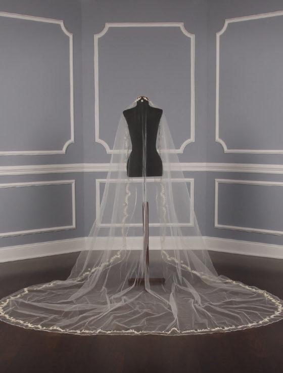 St. Pucchi M1138 Bridal Veil