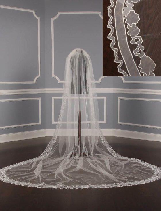 St.-Pucchi-M19522-Bridal-Veil