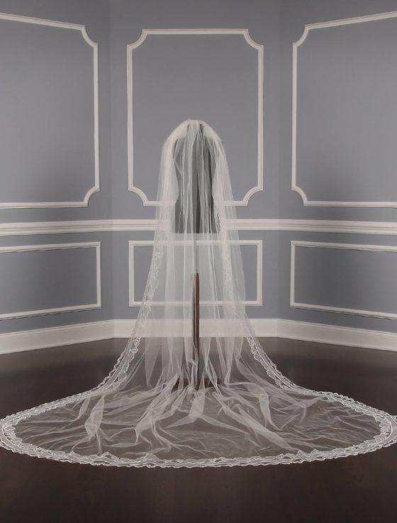 St. Pucchi M19522 Bridal Veil