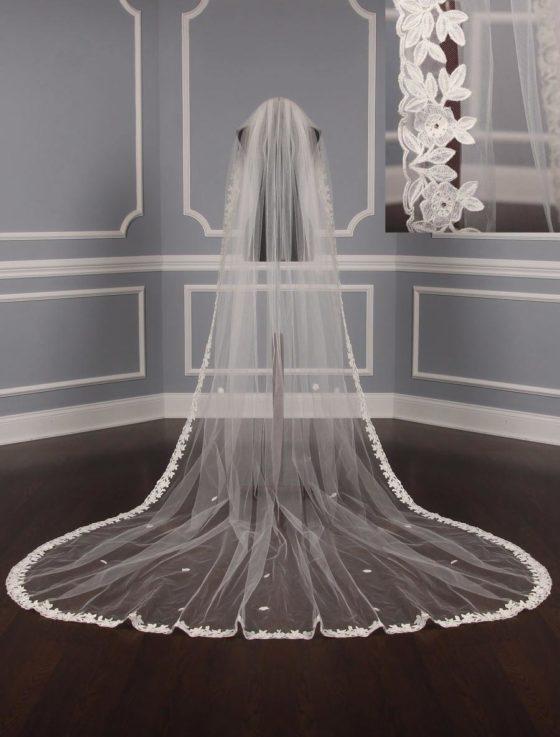 St. Pucchi M1479 Bridal Veil