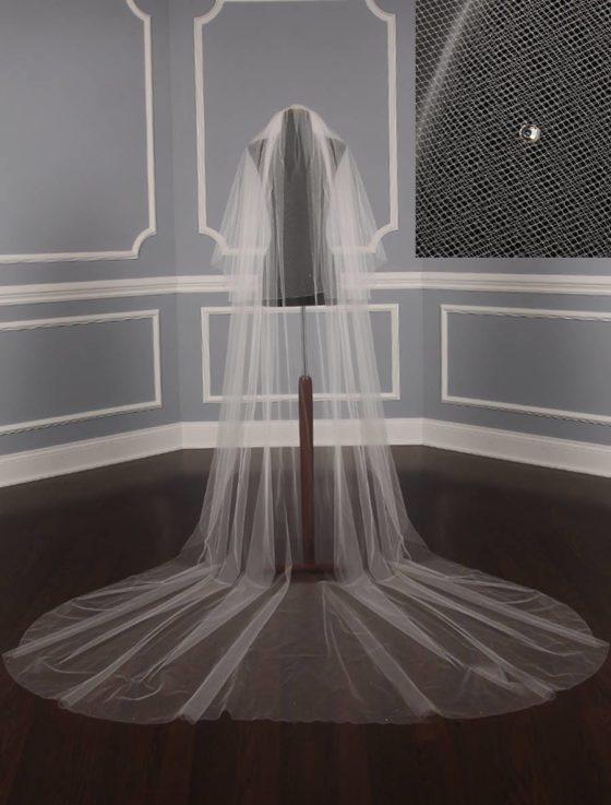 Jennifer Leigh Twyla Bridal Veil